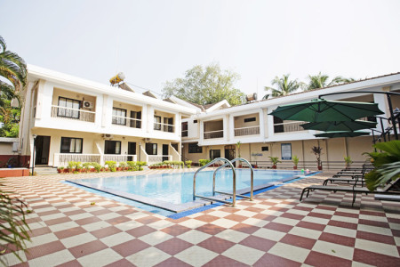 serenity_by_the sea_beach_resort_goa_pool_view