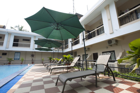 serenity_by_the sea_beach_resort_goa_poolview_shade